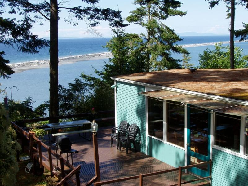 Uniquely located next to Dungeness Spit National Wildlife Refuge-Crashing Waves - 10,000 Waves Shorefront Cabin Beach & Tidelands - Sequim - rentals