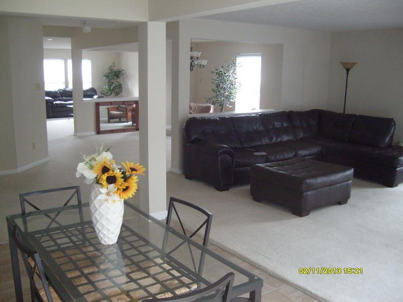 CHARLOTTE VACATION HOME Sleeps 20. 4000 sq.ft NASCAR, UNCC, WATER PARK. 5BR/3BA - Image 1 - Concord - rentals