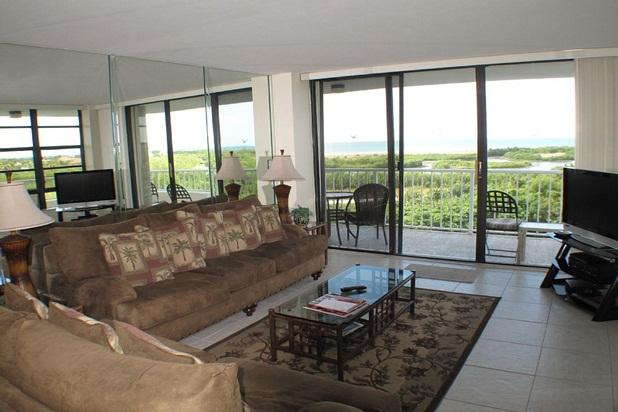 Beachfront Condo with Wraparound Balcony - Image 1 - Marco Island - rentals