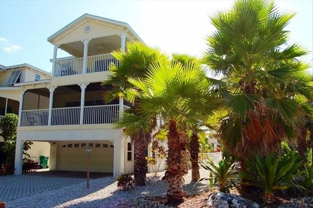 Beach House on Anna Maria Island-Rental Openings - Image 1 - Holmes Beach - rentals