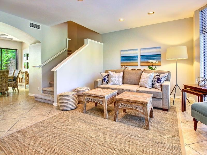 Sleeper sofa in living room - Napili Gardens-Palm Condo (Unit13)-near Napili Bay - Lahaina - rentals