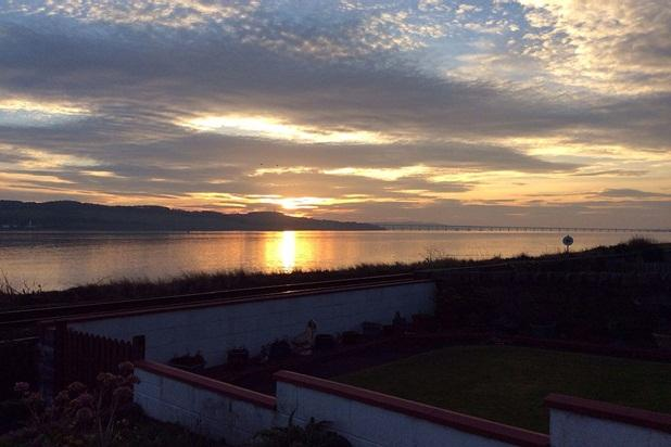 Golf St Andrews & Carnoustie Overlooking River Tay - Image 1 - Tayport - rentals