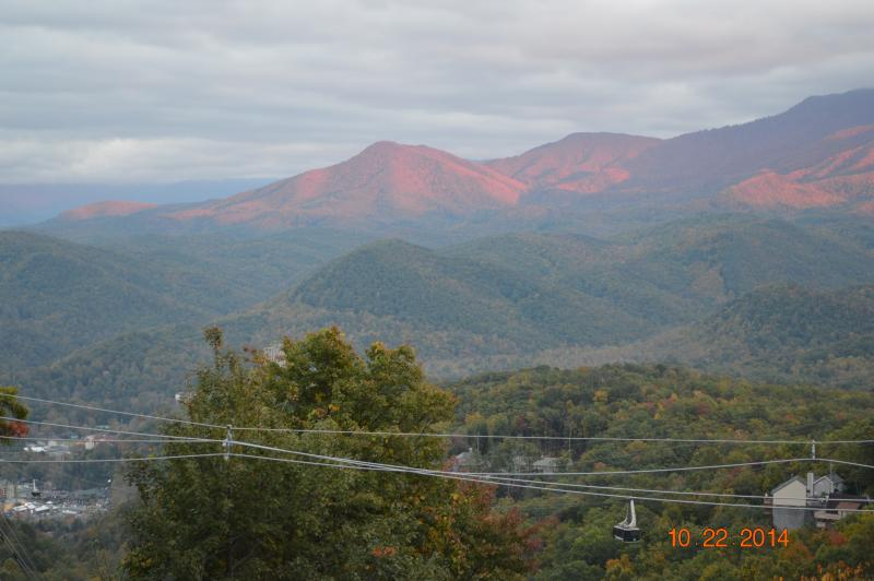 Beautiful  Mountain view from the front  deck - Million Dollar View! Smokies Sarah's Bear Heaven - Gatlinburg - rentals