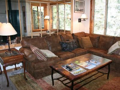 Livingroom - Amazing Remodeled Ski in/Ski out Northstar Condo - Truckee - rentals