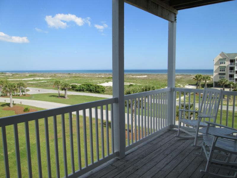 Watch the waves of the Atlantic Ocean from the shaded furnished deck. - WATCH THE ATLANTIC FROM THE SHADED FURNISHED DECK - Ocean Isle Beach - rentals