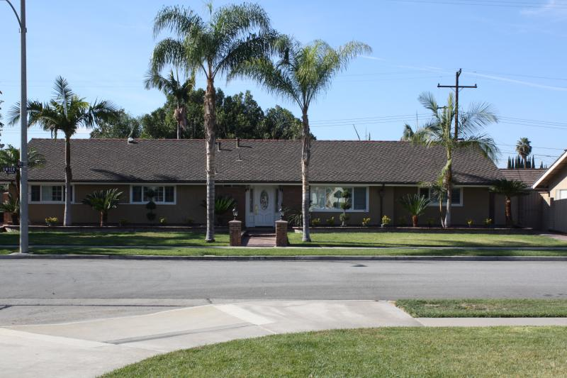 SoCal Coastal Getaway, less than 5 min from Disney - Image 1 - Anaheim - rentals