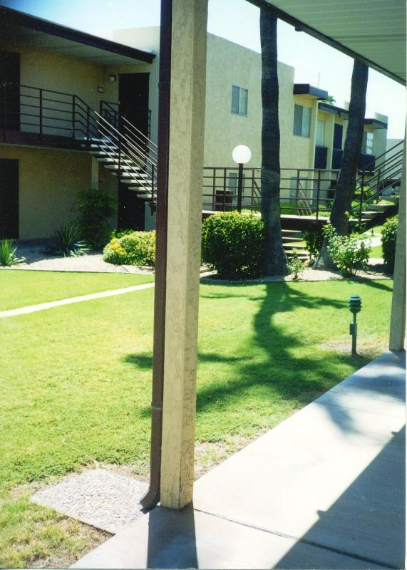 1 BR RESORT LIVING IN TOP SCOTTSDALE LOCATION - EXCELLENT LOCATION 1 BR CONDO IN SCOTTSDALE - Scottsdale - rentals