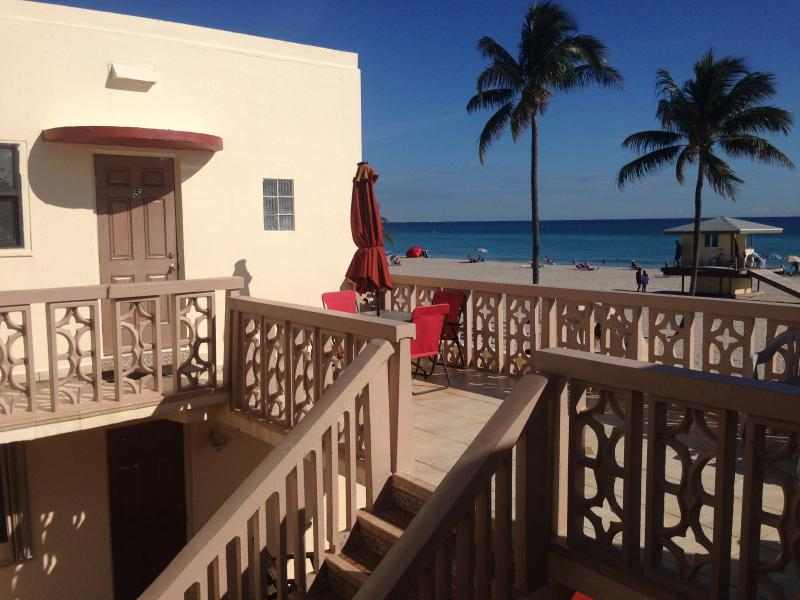 Oceanfront condo rental in Hollywood Florida - Image 1 - Hollywood - rentals