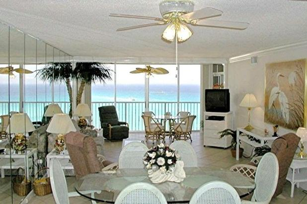 10 th floor Living Room, 2 King Size Master Suites - Destin Paradise, Gulf Front, King Size Bed in Mast - Destin - rentals