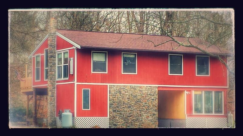 Front of Cabin - Pet Friendly Creekfront House, Harrisburg, Hershey - Mechanicsburg - rentals