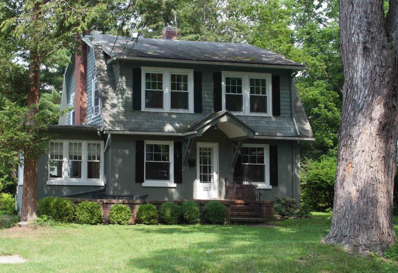 Enchanted Cottage - Enchanted Cottage on Glen Guest House B&B - Elmira - rentals
