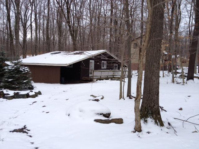 Winter at the cottage - Poconos Cozy Cottage - Pocono Lake - rentals