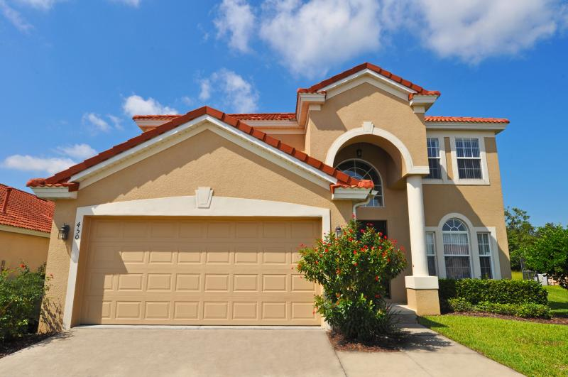 Gated Community with Large Private Pool near Golf - Image 1 - Davenport - rentals
