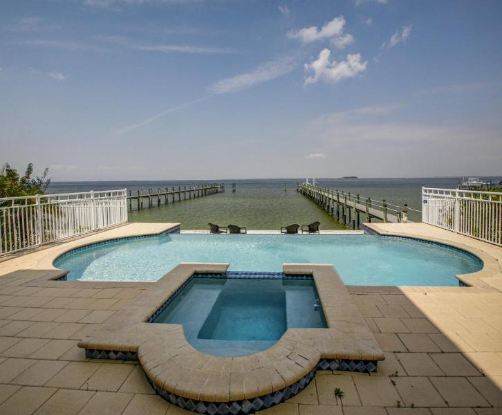 Newer Luxury Waterfront Home on Tampa Bay - Image 1 - Apollo Beach - rentals