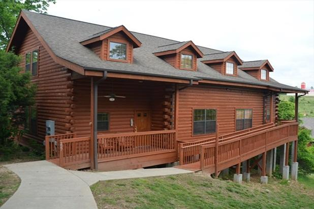 The 5 Bedroom Cabin is a perfect spot for a large group! Ramp in also. - Luxury 5 bed Loft Cabin - Best in Town! - Branson - rentals