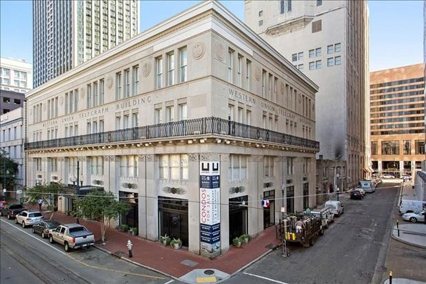 Stay Alfred Room for 8 Downtown, Rooftop Deck! UL3 - Image 1 - New Orleans - rentals