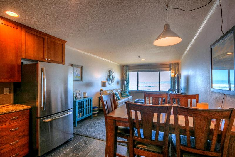 Main Dining and Living Area - Seas the Day - Oceanfront - Recently Updated! - Lincoln City - rentals