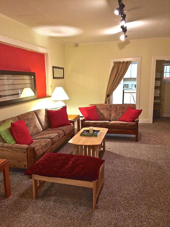 Comfortable 3 Bedroom Tannersville Apartment - Image 1 - Tannersville - rentals