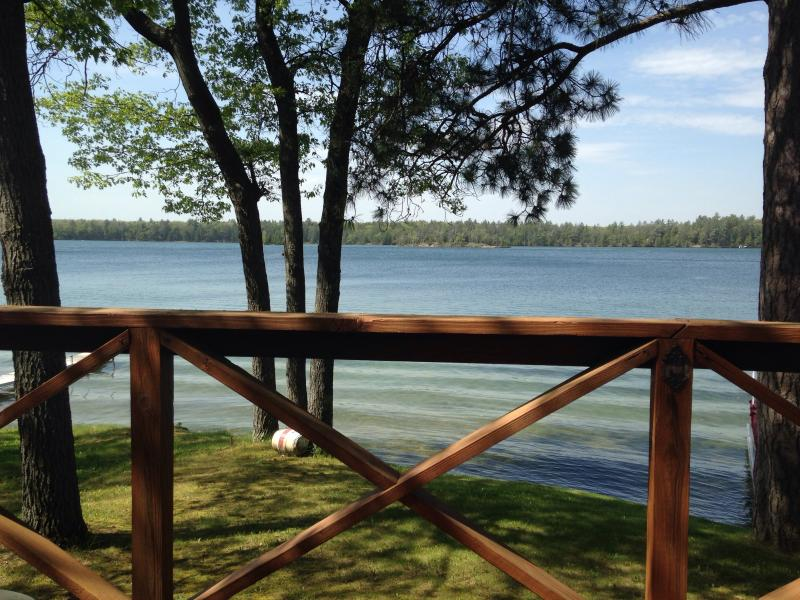 Lakefront Vacation Cottage On Beautiful Clear Lake - Image 1 - West Branch - rentals