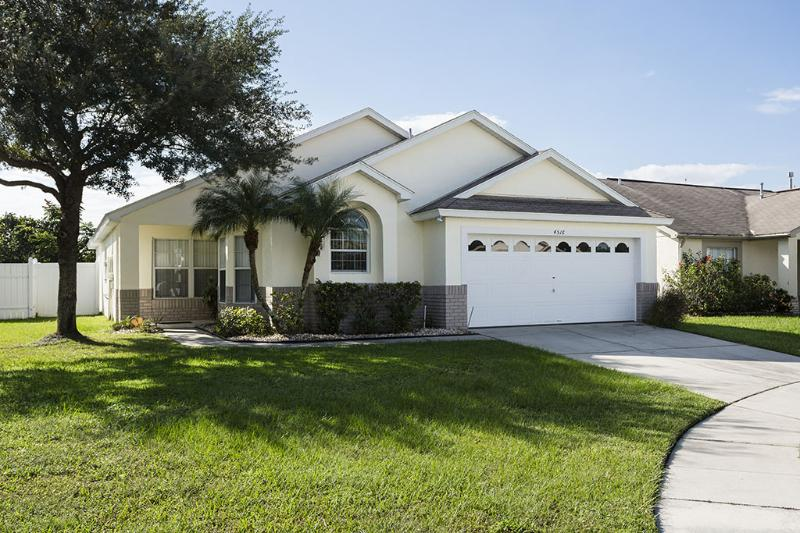 Kissimmee Pool Villa / Oversized Southfacing Pool - Image 1 - Kissimmee - rentals