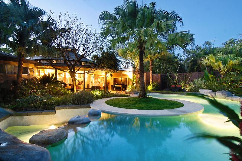 Luxury Villa in the center of Tamarindo, Villa Don Vito - Luxury Artist Villa in the center of Tamarindo - Tamarindo - rentals