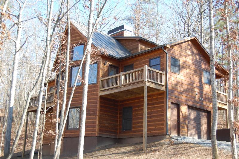 Front of Buck Valley Lodge - Buck Valley Lodge - Luxury Cabin - Ellijay - rentals