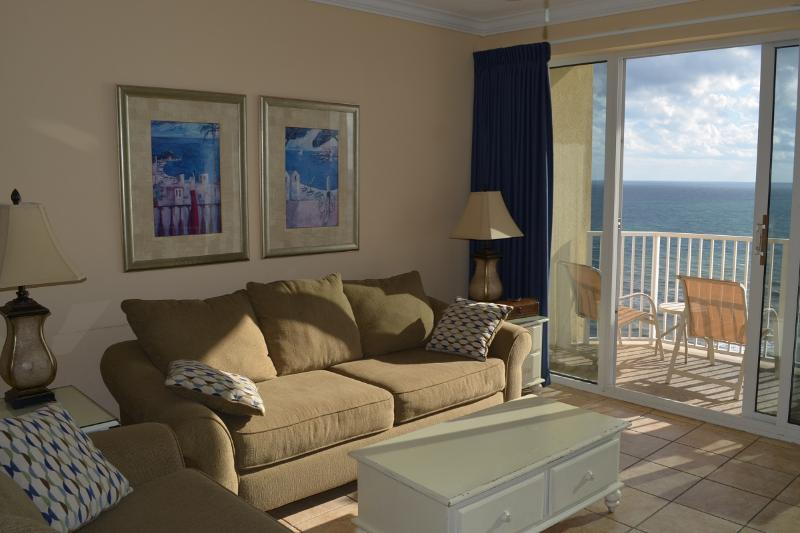Living Room - Ocean Front Condo. Right at the beach. Sleeps 6 - Panama City Beach - rentals