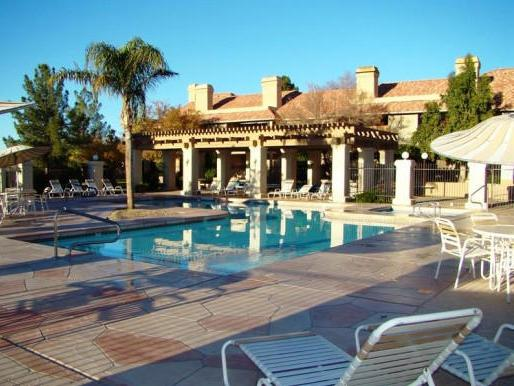 Lovely community pool - Comfortable East Mesa condo - Mesa - rentals
