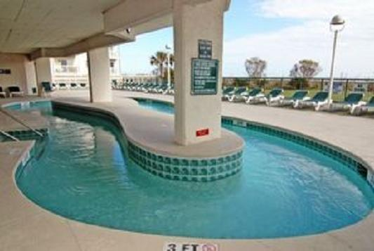 A rare empty time at the lazy river. - Charming 3 BR/ 3 Bath Condo Beachfront, Pool, WIFI - North Myrtle Beach - rentals