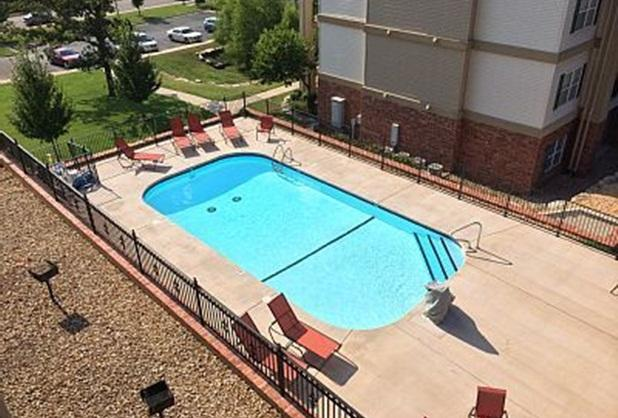 Nice private swimming pool! - 1 bdrm condo, Great location! 2 compliment Tickets - Branson - rentals