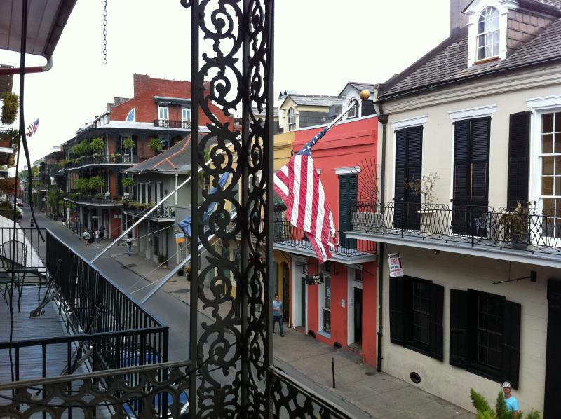 View from the balcony - Beautiful & comfortable 2BR in the heart of it all - New Orleans - rentals