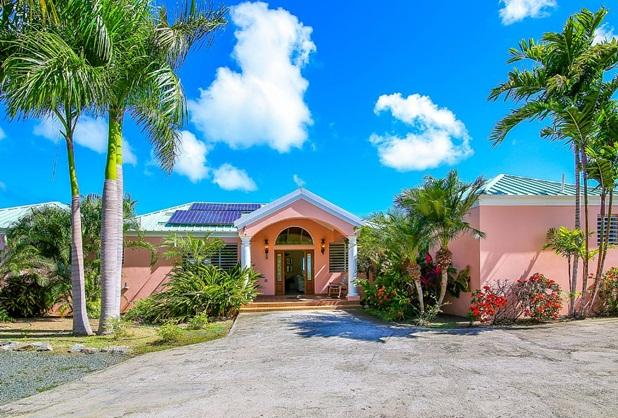 Anna's Breeze welcomes you.  Front entrance with parking to the right. - Walk to two beaches, restaurants and marina - Christiansted - rentals