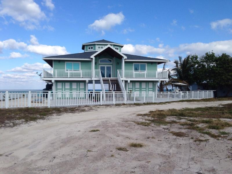 Paradise found in South Bimini, Ocean Front 3/3 - Image 1 - Alice Town - rentals