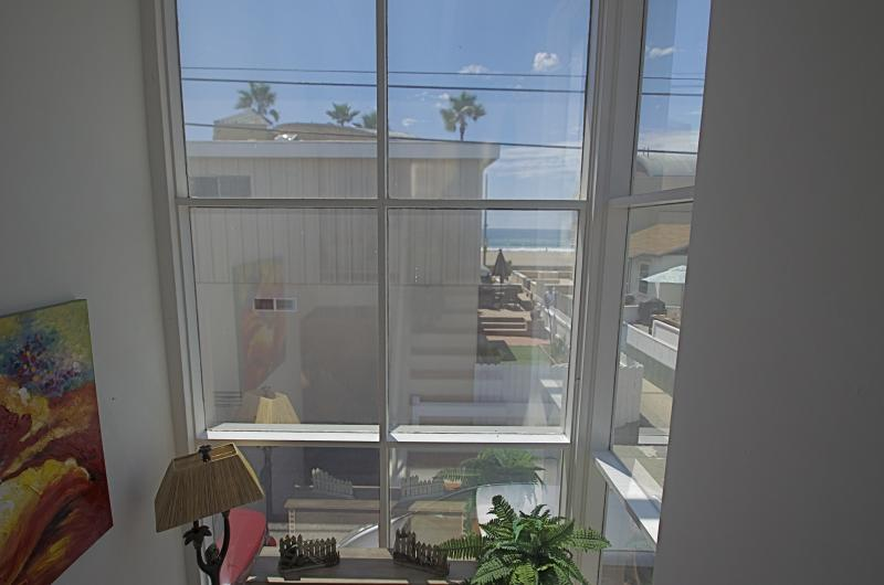 #62 Very Close to the Ocean Large Mission Beach House - Image 1 - San Diego - rentals