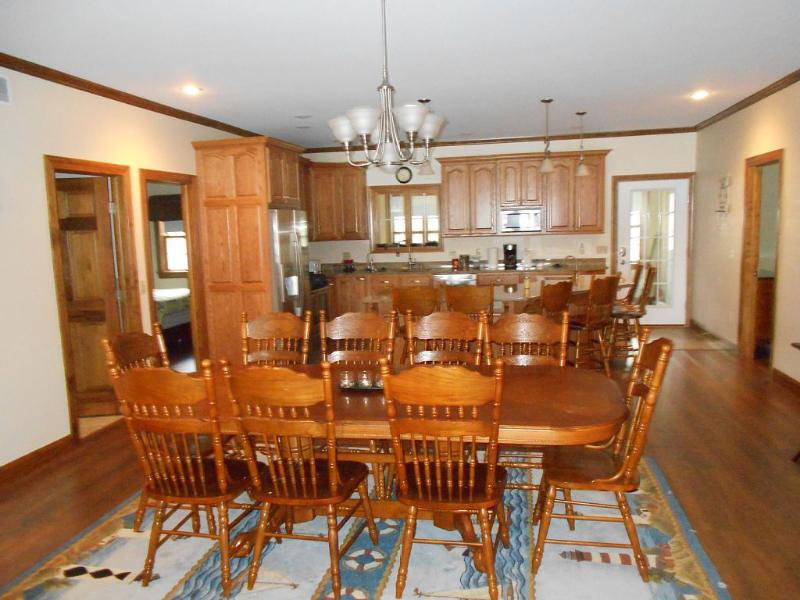 dining and kitchen area - Magnificient East Side Newly Built Home - Penn Yan - rentals
