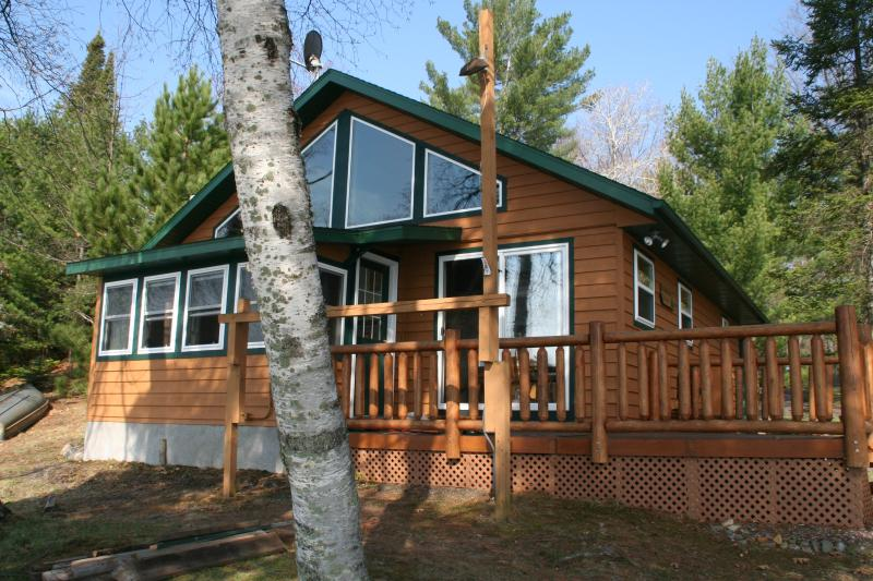 Carefree Creek Cottage on Little St. Germain Lake - NEWLY REMODELED 4BR CHALET CABIN ST.GERMAIN LAKE - Saint Germain - rentals