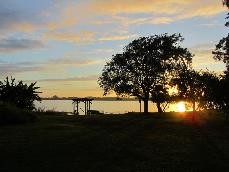 Sunrise over the lake - Lakefront Vacation Home! Bring your boat, jetski, seaplane or any other toy! - Winter Haven - rentals