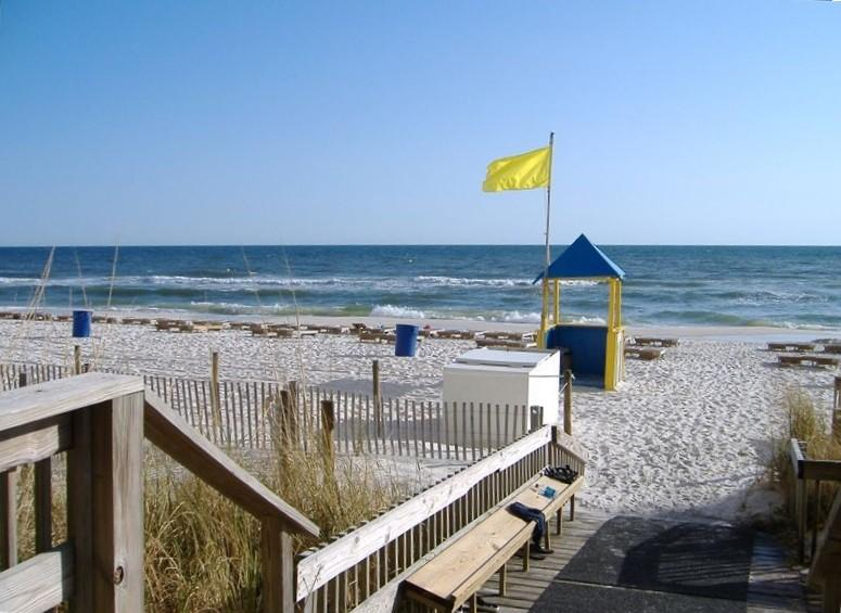 Beachfront. Sleeps 6. Low Floor.  First Floor Convenience Right on the Beach! - Image 1 - Panama City Beach - rentals