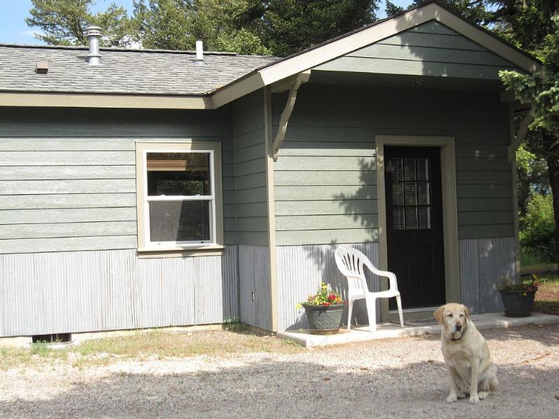 Our mascot Toby ready to welcome guests. - Homey Cabin Just Minutes from Glacier Park - Columbia Falls - rentals