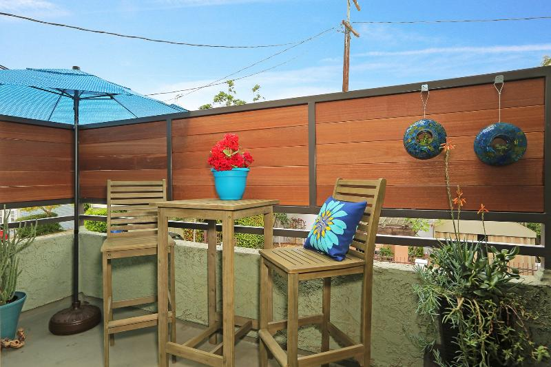 1 Block to Beach - 50 Yards to Canals! - Image 1 - Venice Beach - rentals
