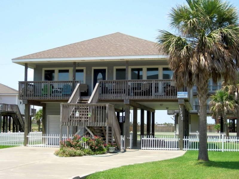 MOLLY'S DUNE- Access to Galveston Country Club - Image 1 - Galveston - rentals