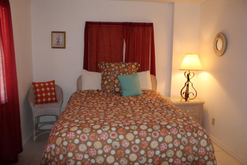 2 BDR Sunrise with an Ocean View (sleeps 6) - Image 1 - Daytona Beach Shores - rentals