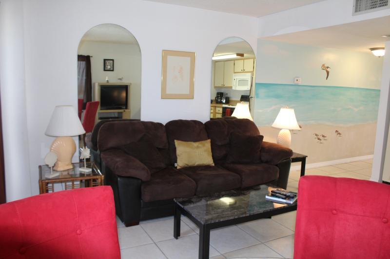 1 BDR Beautiful 10    Floor Oceanfront (sleeps 4) - Image 1 - Daytona Beach Shores - rentals