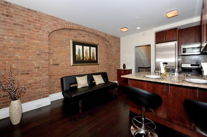 Murray Hill 2BDR 1BATH Apt! - #8569 - Image 1 - Manhattan - rentals