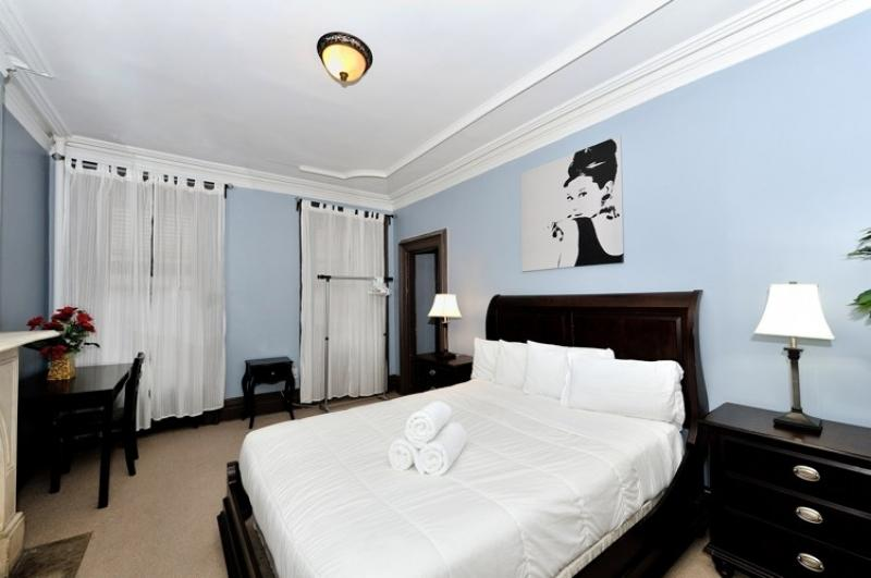 Midtown East 3BDR 1BATH Apt!  #8466 - Image 1 - Manhattan - rentals