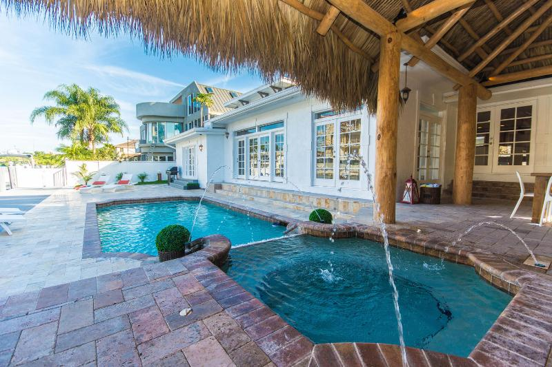 Real Estate Gizmo Luxury waterfront home mins to the beach! - Luxury Waterfront Vacation home Villa Riverside! - Fort Lauderdale - rentals