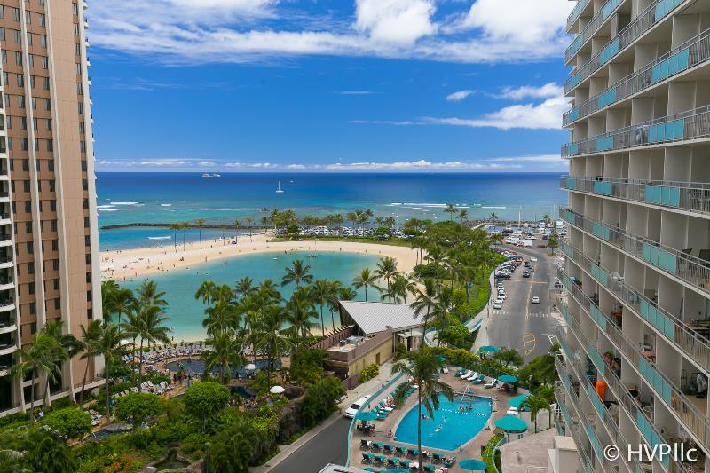 Ilikai 1114 Ocean / Lagoon / Fireworks Views - Image 1 - Honolulu - rentals