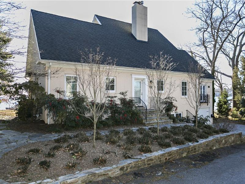 street front of house - Annapolis,Severn River Waterfront with Sandy Beach - Severna Park - rentals