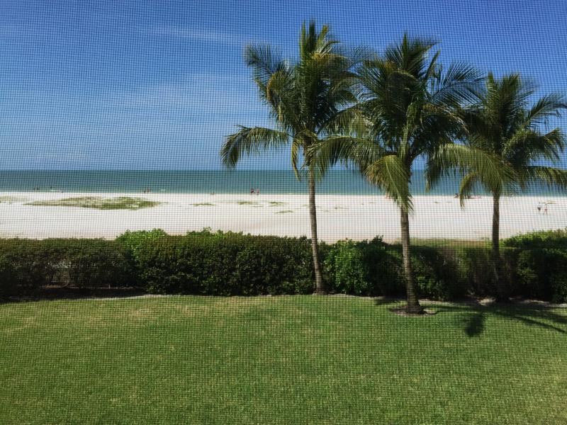 Stunning Beachfront Fully Remodeled 2015 Riviera Club Condo Unit #103 - Stunning Beachfront, Riviera Club Fort Myers Beach - Fort Myers Beach - rentals