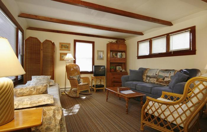 One bedroom house with ocean views and short walk to Keyes Beach - Hannah Baker Cottage - Barnstable - rentals